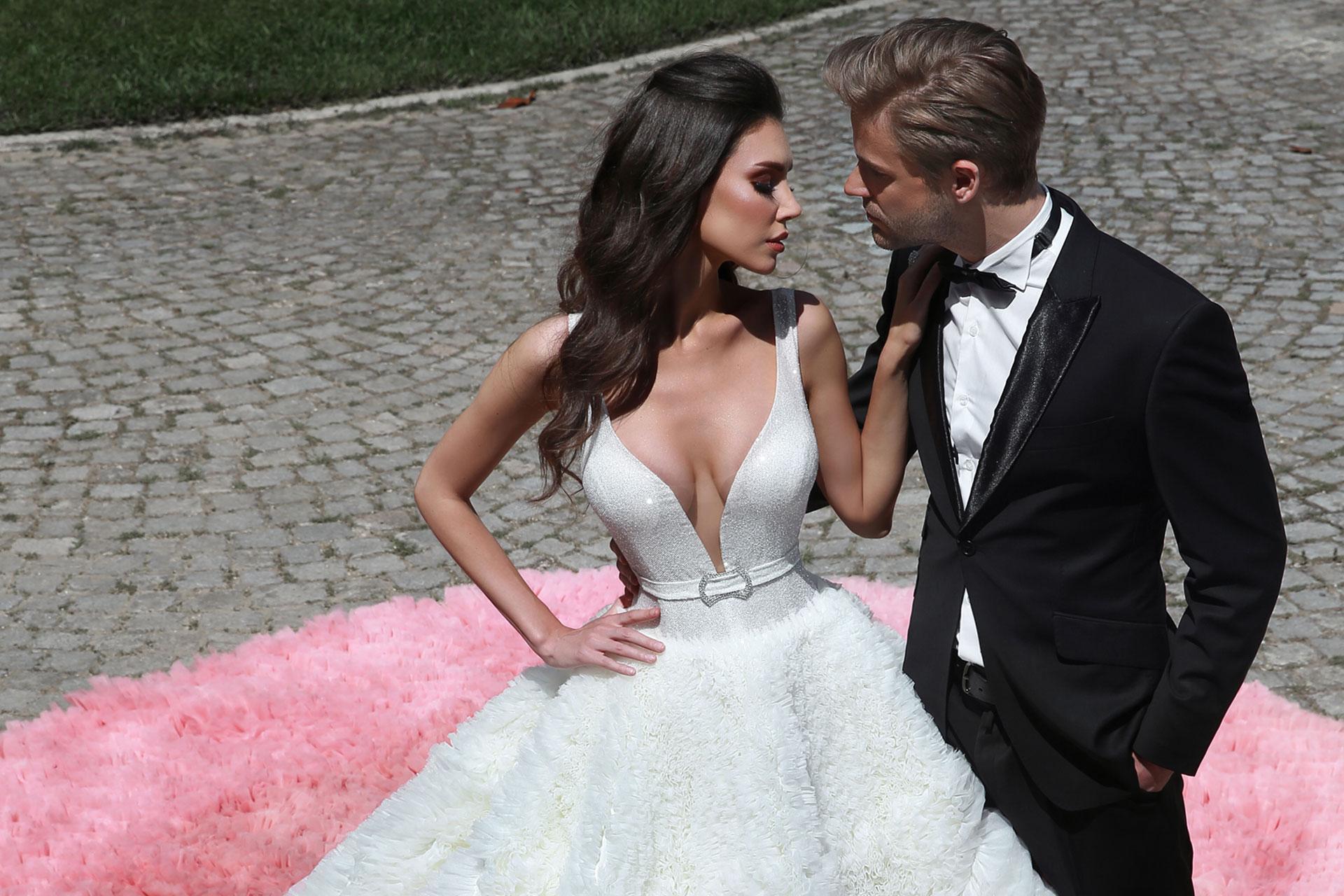 Luxuriöse Brautkleider von Dovita Bridal