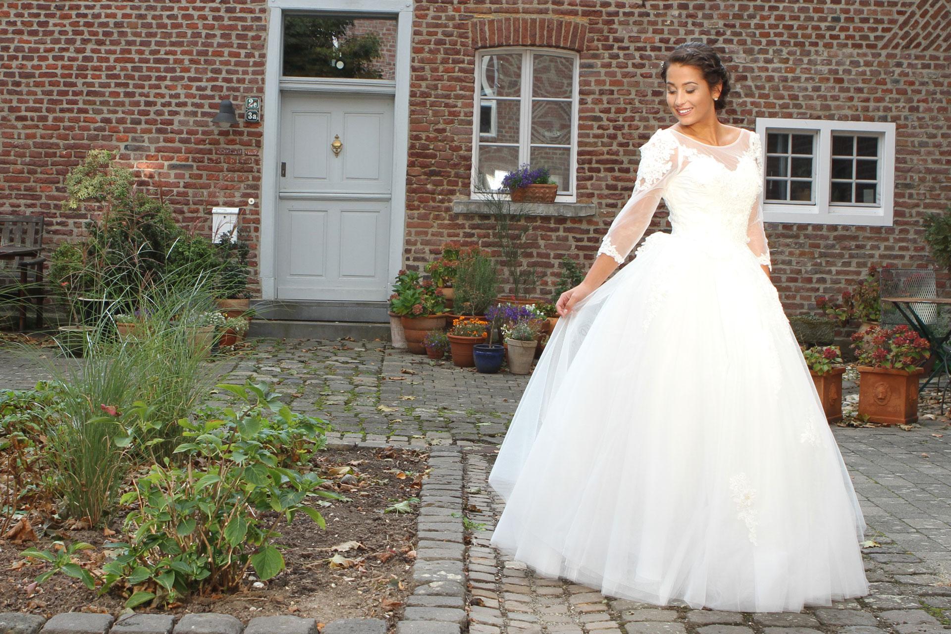 Brautkleider von der deutschen Modemarke Taubenweiß